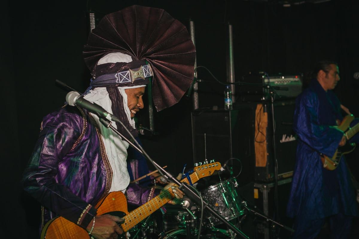Ezza - Live - Mono, Falmouth